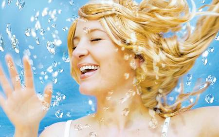 Hair and Water Fashion Sense for Blonde Girl